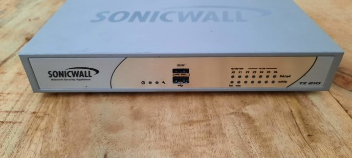 Sonicwall tz210 front